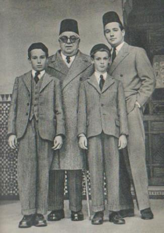 aga-khan-with-son-and-gransons-in-various-editions