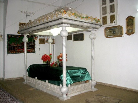 Inside Maqam al-Imam, Salamiyyah, Syria. It is believed to contain the tomb of Imam Isma'il ibn Ja'far