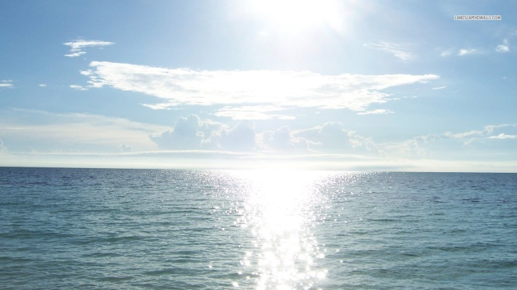 sun-reflecting-into-the-ocean-1628-1366x768