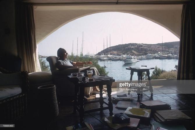 The Aga Khan working at Sardinia