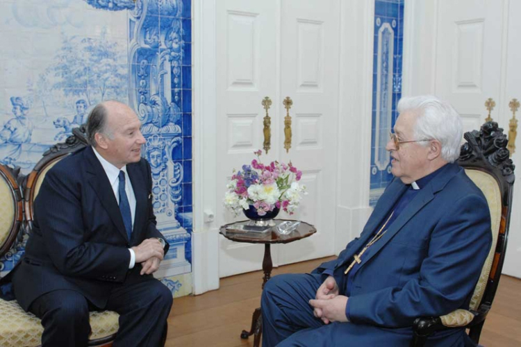 The Ismaili Imam, Aga Khan IV, in discussions with His Eminence D. Jose Policarpo, the Cardinal Patriarch of Lisbon and Chancellor of the Catholic University of Portugal