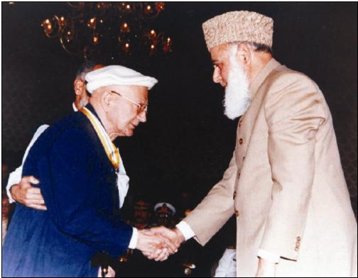 Dr. Allama Nasir Al-Din (Hubb-I 'Ali) Hunzai with President Rafiq Tarar of Pakistan after receiving. Sitarah-i-Imtiyaz.
